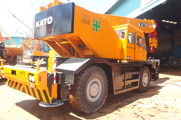 KATO  ROUGH TERRIAN CRANE KR45H-3- (MCKR45-040)