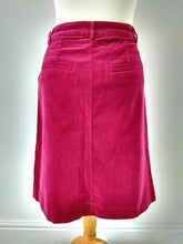 Load image into Gallery viewer, Thought Velveteen Skirt Size 8
