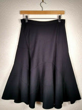 Load image into Gallery viewer, Nicole Farhi Skirt Size Small