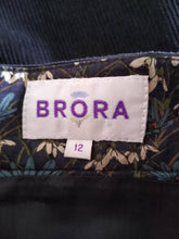 Load image into Gallery viewer, Brora Cord Skirt Size 12