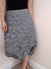 Load image into Gallery viewer, Oska Skirt Size 16