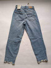 Load image into Gallery viewer, River Island Mom Jeans Size 8
