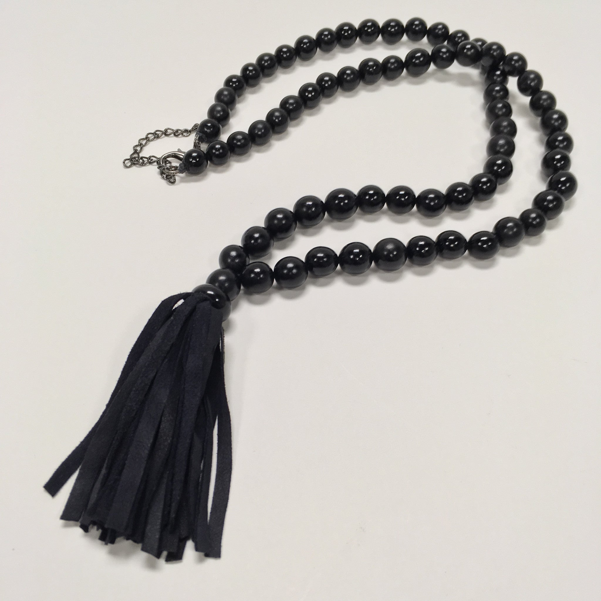 BLACK BEAD & TASSEL NECKLACE
