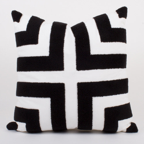 BLACK & WHITE GEO PILLOW
