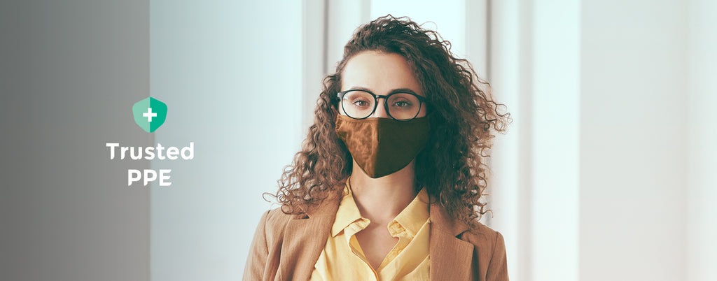 Wearing a Face Mask: Top tips to avoid foggy glasses