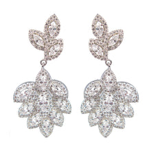Load image into Gallery viewer, Affinity Heirloom Diamontage™ 5.2 Carat Earrings