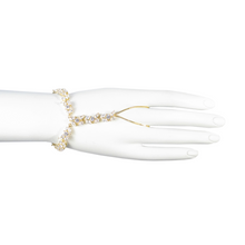 Load image into Gallery viewer, La Belle Romantique Diamontage™ 8.6 Carat Finger Bracelet