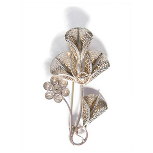 Filigree Calla Lily Boutonniére / Lapel Pin