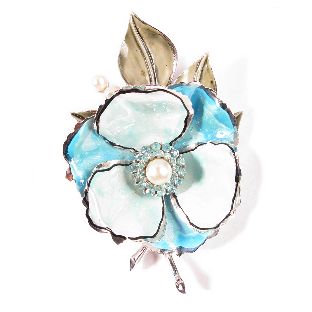 Perfect Pearl Floral Boutonniére / Lapel Pin