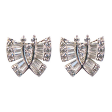Load image into Gallery viewer, Baguette Butterfly Diamontage™ 5.8 Carat Earrings