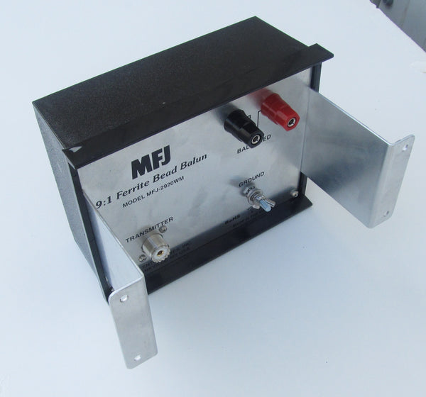 MFJ-2920WM, BALUN, BEAD, 9:1 1.8-30MHz, WALL MOUNT, 1.5kW