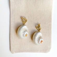 Load image into Gallery viewer, Siren earrings
