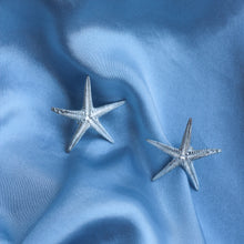 Load image into Gallery viewer, Silver Starfish Earrings