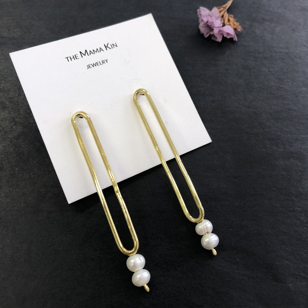 Oval Earrings With Pearls