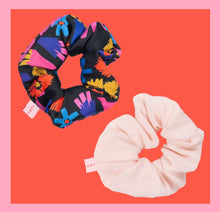 Load image into Gallery viewer, Powder Flower Scrunchy / 2 pieces