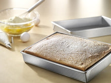 Load image into Gallery viewer, USA Pan Rectangular Cake Pan
