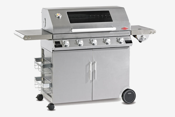 Beefeater Discovery 1100S 5 Burner Mobile BBQ Clearcut