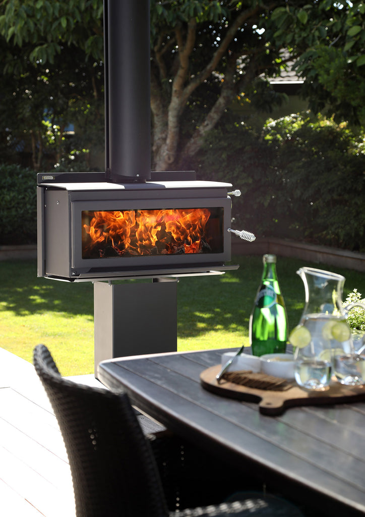 Metro 850P Outdoor Wood Fire Lifestyle