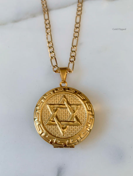 Gold Plated Reversible 2 Photo Locket With A Star Of David And Heart Design