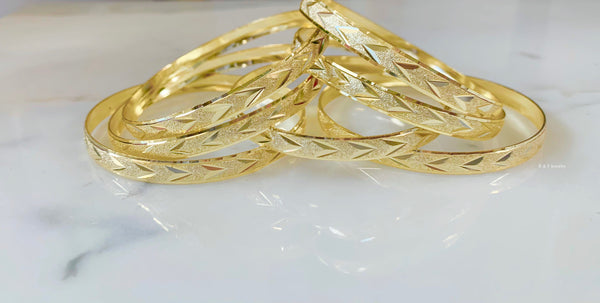 Yellow Gold Plated Chevron Design 7 Bangle Set
