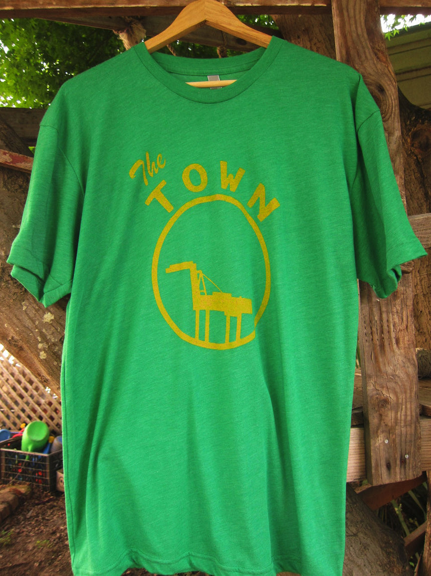 The Town Shirt in Kelly Green