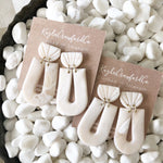 Handmade Clay: Ivory Marbled Shell Arches