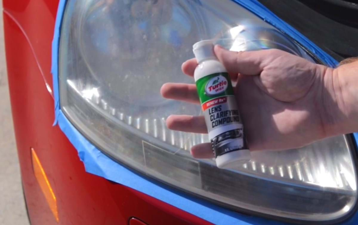 how-to restore headlights - turtle wax - apply clarifying compound