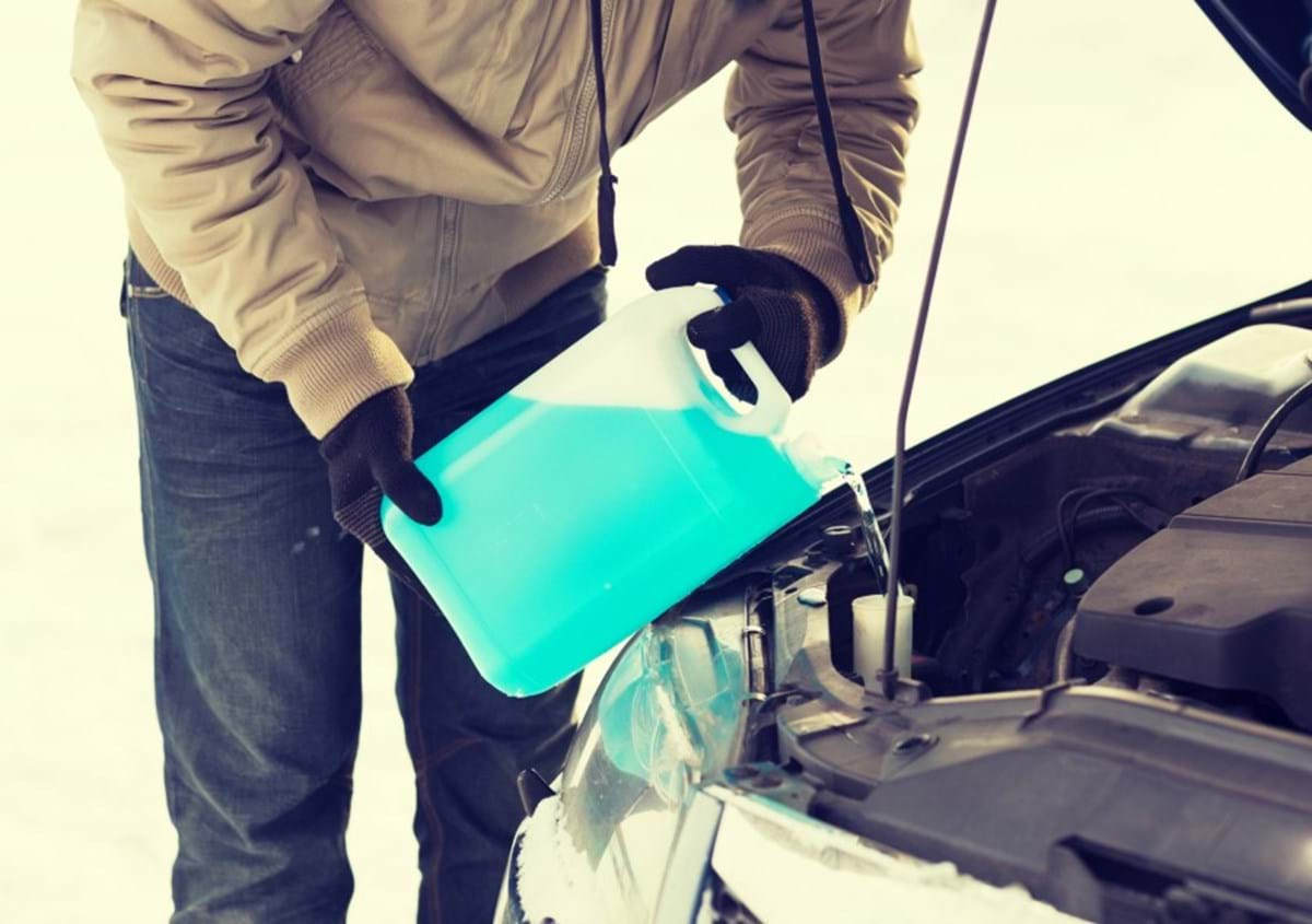 how to prep your car for winter - turtle wax - monitor fluid levels