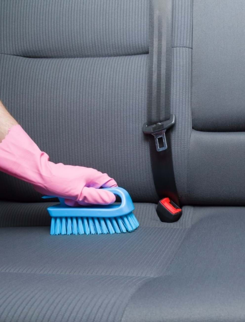 auto detailing guide - turtle wax - stiff brush upholstery