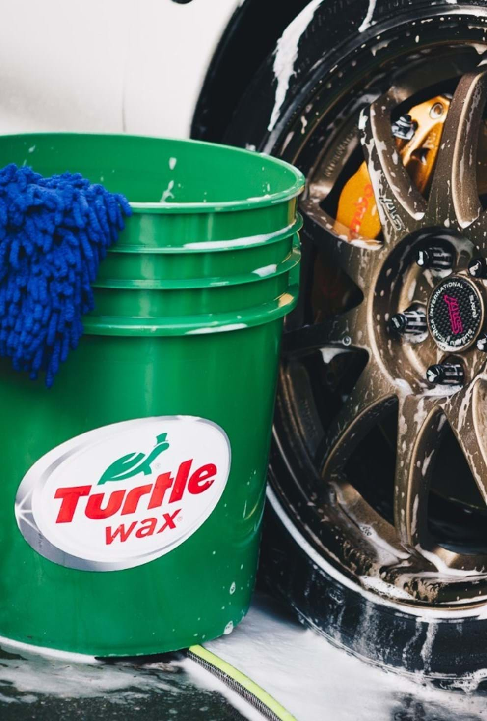 auto detailing guide - turtle wax - tire clean