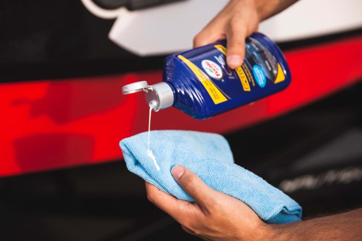 how-to compound a car at home - turtle wax - liquid vs paste compounds