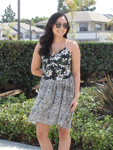 Mixed Daisies V-neck Dress