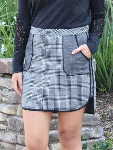 Relished Houndstooth Plaid Mini Skirt