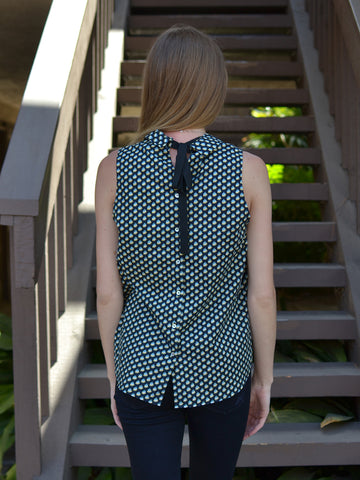 Sleeveless Collared Print Top