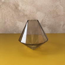 Load image into Gallery viewer, Diamond Champagne Vase