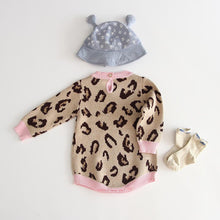 Load image into Gallery viewer, Newborn leopard print knitwear