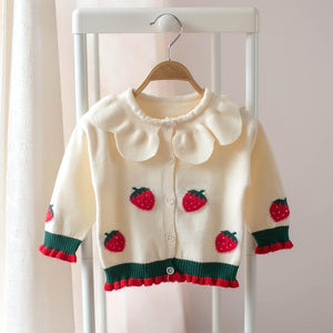 Beautiful peter pan collared styled cardigan