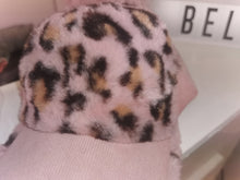 Load image into Gallery viewer, Faux fur pink leapard cap