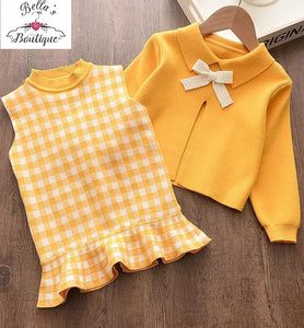Yellow shift dress with jumper
