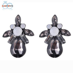 SUSENSTONE Earrings Vintage Hollow Retro Hohles Earring Women Jewelry Earring shiny water droplets earrings