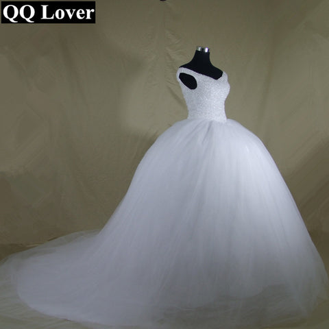 2e71c62edfe4 QQ Lover 2018 The Latest Boat Neck Bling Bling Crystals Train Ball Gown  Wedding Dress Lace