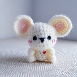 DIY KIT - Amigurumi C Yarn Hut Mice