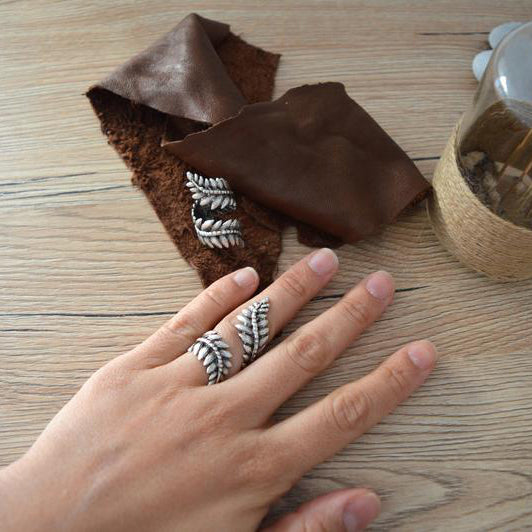 Bohemian Silver Leaf Knuckle Ring, Silver Knuckle Midi fern leaf ring, Silver Stackable Ring, Silver Adjustable Ring, US size 4-15 inch