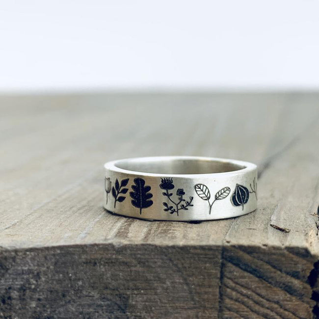 Personalized Silver Ring Nature Ring Wedding Band Forest Jewelry Engraved Ring Stocking Stuffer Acorn and Leaves