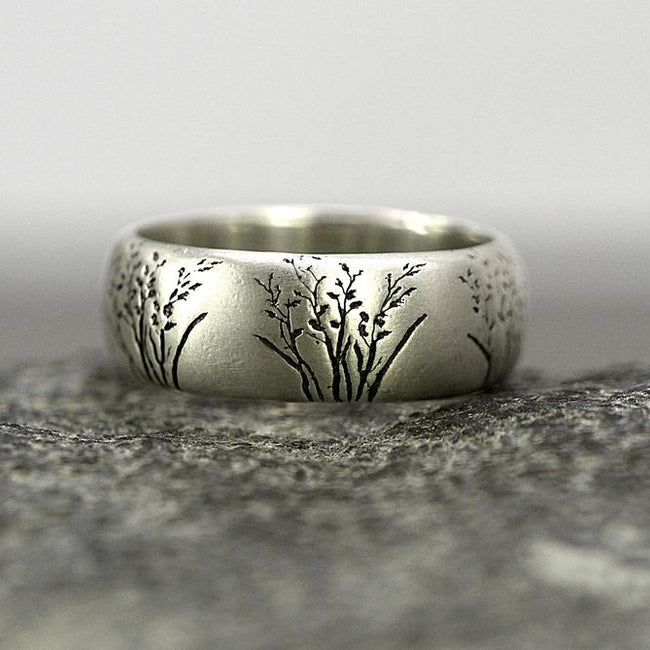 Wild grass ring. Sterling silver band ring with engraved grasses. Nature inspired gift for her.