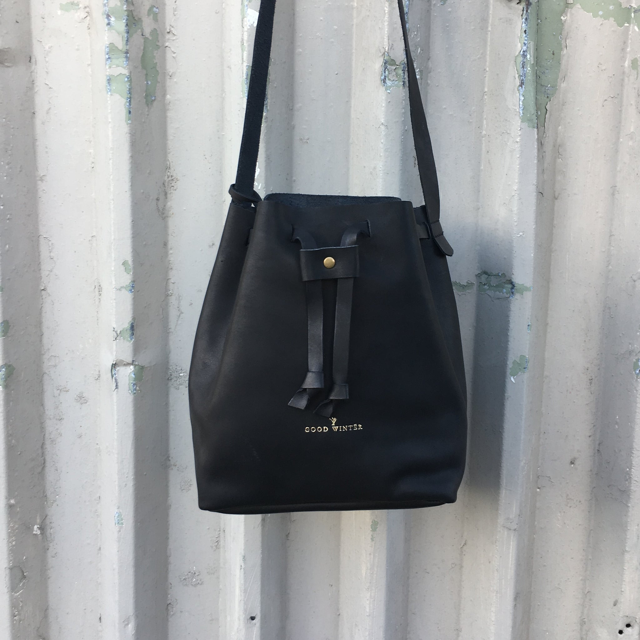 GW1 Bucket Bag Small Black