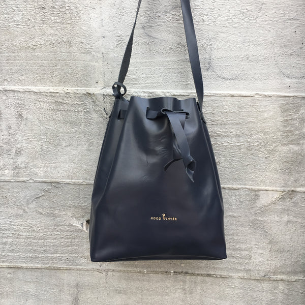 GW3 Bucket Bag Large Navy