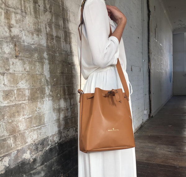GW3 Bucket Bag Large Tan