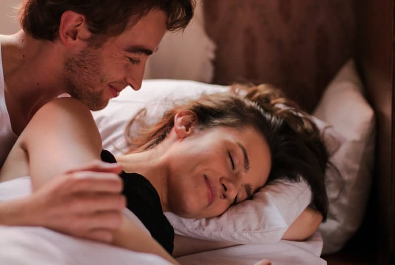 Couple happy because of rimming