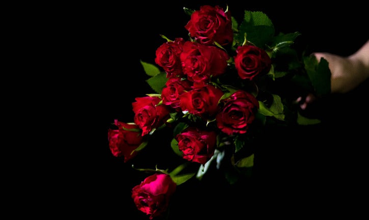 Gifting Roses Can Build Intimacy